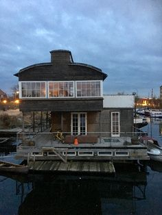 Husbåt. København