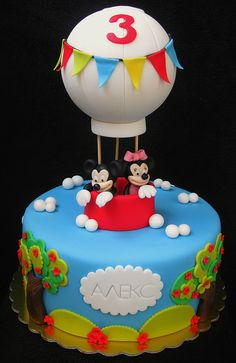 Mickey & Minnie hot air balloon cake