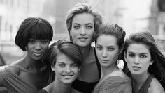 Les super top models Naomi Campbell, Linda Evangelista, Tatjana Patitz, Christy Turlington et Cindy Crawford - magnifique photo ! Peter Lindbergh, Linda Evangelista, Christy Turlington, Cindy Crawford, Naomi Campbell, Freedom 90, Freedom Video, Tatjana Patitz, Crystal Renn