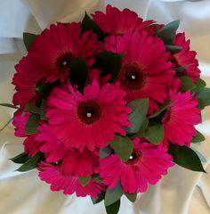 Gerbera as bridal bouquet with diamanté detail gerber daisy bouquets for wedding | ... gerbera daisy bouquet