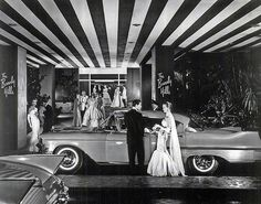 The entrance to the Beverly Hills Hotel. The date is unknown, but a glimpse of the cars suggests it may be the late 1950s.
