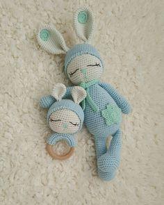 Crochet Baby Toys, Baby Blanket Crochet, Crochet Animals, Diy Crochet, Crochet Bear Patterns, Crochet Bunny Pattern, Sleeping Bunny, Kit Bebe, Bunny Toys