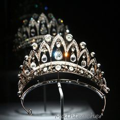 Fabergé tiara - Houston Museum of Natural History (View Royal Crowns, Royal Tiaras, Tiaras And Crowns, Antique Jewelry, Vintage Jewelry, Diamond Tiara, Barrettes, Royal Jewelry, Circlet
