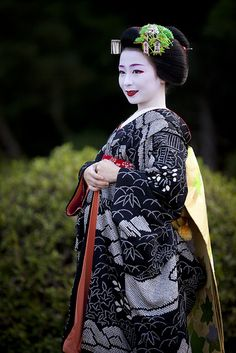 Maiko Mameyuri 豆ゆり by Onihide   Japan #world #cultures