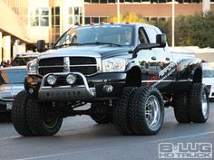 2012 Dodge Ram Heavy Duty edition Heavy Duty pickup truck from America, Extra wide load!