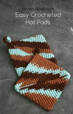 7Alive all Livin' in a Double Wide crocheted hot pads