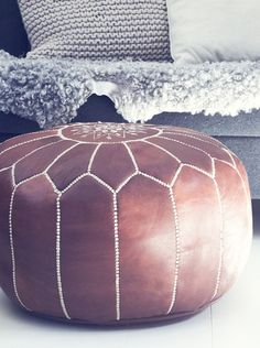 Marockansk sittpuff, läder Vintage | CasaMina Living - Livsstil / Livstilsshop med inredning, kläder, present & skönhet i Varberg, Halland