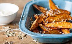 Aprenda a preparar diferentes receitas usando batata doce e deixe sua alimentação mais rica em fibras, vitaminas e energia.