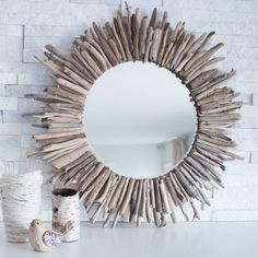 50 Fab DIY Mirror Frames You Can Easily Make Yourself - How to make a DIY driftwood mirror Diy Home Decor Projects, Easy Home Decor, Handmade Home Decor, Cheap Home Decor, Decor Ideas, Diy Ideas, Decorating Ideas, Diy Decoration, Vintage Decorations