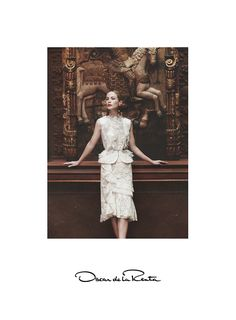 Introducing the Oscar de la Renta Spring 2016 campaign photographed in New York City by David Sims featuring the iconic Carolyn Murphy.  Creative Director Peter Copping chose the historic Hispanic Society of America as the backdrop for the Spanish influenced collection, whose colors, prints and florals referenced many of the late Oscar de la Renta's inspirations and his early career in the ateliers of Spain.