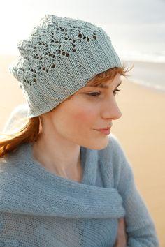 Blasses Türkis - gestrickter Lochmuster-Mütze mit ggh-Garn COTTONEA (100% organische Baumwolle), Garnpaket zu Modell 6 aus Rebecca Nr. 62