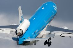 KLM MD-11 with brakedust