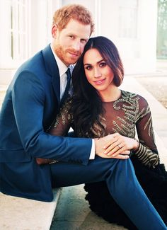 In this video we will be taking a look at further details of the upcoming wedding of Prince Harry and Meghan Markle. Prince Harry and Ms. Meghan Markle are h. Prinz Harry Meghan Markle, Meghan Markle Prince Harry, Harry Et Meghan, Prince Harry And Megan, Harry And Meghan Wedding, Prince Henry, Engagement Photo Poses, Engagement Shoots, Royal Engagement