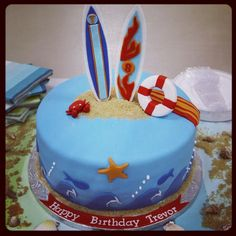 Surfer cake   Surfing Cake   Flickr - Photo Sharing!