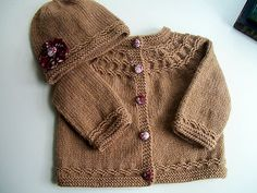 Seamless yoked baby sweater, free pattern