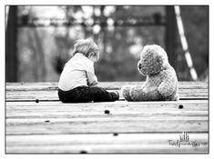A person's inner child is their authentic self, who, with consistent nurturing, matures into an emotionally healthy adult. Yet trauma happens to many people in childhood and through out life. Erwarten Baby, Baby Kids, Baby Sleep, Bring Up A Child, Baby Teddy Bear, Vintage Baby Boys, Parents, Surrogacy, Stock Foto