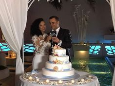 Storie di nozze Al Chiar di Luna: Carmen e Salvatore sposi evergreen.  Inviaci la tua foto, per rivivere insieme il tuo giorno più bello  #alchiardiluna #ilmatrimoniochestaisognando #sposievergreen