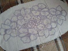 Zsinórcsipke mintája Romanian Point Lace pattern from Hungary Filet Crochet, Irish Crochet, Crochet Lace, Cutwork Embroidery, Hand Embroidery Patterns, Embroidery Stitches, Macrame Patterns, Lace Patterns, Crochet Patterns