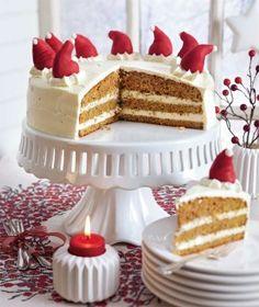 Zipfelige Möhren-Orangen-Torte Rezept: Möhren,Orangen,Butter,Zucker,Vanillinzucker,Salz,Eier,Mehl,Gewürznelken,Piment,Mandeln,Backpulver,Zucker,Vanillinzucker,Sahnefestiger,Schmand,Schlagsahne
