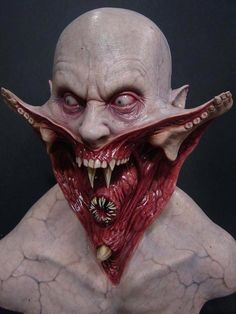 Wish you could paint like this? Image: Blade 2 Reaper bust by FX Legend Steve Wang  #blade