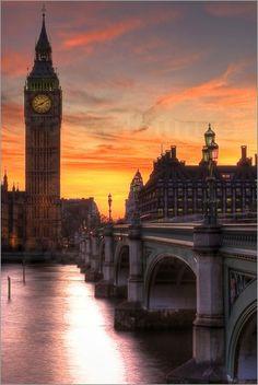 Big Ben bei Sonnenuntergang Bilder: Poster von Dean Bradley bei Posterlounge.de