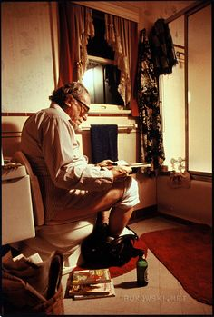 Charles Bukowski On the toilet, San Pedro, 1982