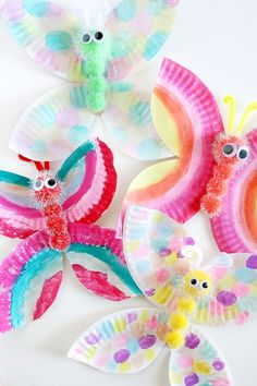 Here's a list of 20 fun crafts to do with kids this summer (or anytime!) Fun and easy kids crafts that they will love. Here's a list of 20 fun crafts to do with kids this summer (or anytime!) Fun and easy kids crafts that they will love. Fun Crafts To Do, Easy Arts And Crafts, Summer Crafts For Kids, Easy Crafts For Kids, Spring Crafts, Toddler Crafts, Kids Diy, Crafts Toddlers, Summer Kids