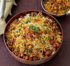 Originally an Afghan dish, Quobuli Pulao is a rice dish that goes well with a variety of Indian curries and dishes. (Replace with vegan yogurt) Afghan Food Recipes, Veg Recipes, Spicy Recipes, Indian Food Recipes, Vegetarian Recipes, Cooking Recipes, Healthy Recipes, Afghan Rice Recipe, Sandwich Recipes