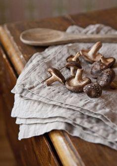 Gypsy Purple home. Food Photography Styling, Food Styling, Wild Mushrooms, Stuffed Mushrooms, Purple Home, Tasty, Yummy Food, Fun Food, Chocolate