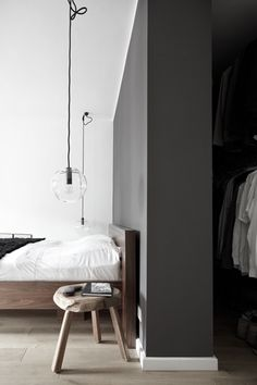 charcoal grey walls + natural oak flooring //