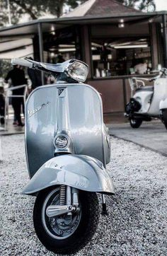 All things Lambretta & Vespa, well all things if they are pictures. (and perhaps the odd other thing that catches my eye from time to time including occasional adult content! Vespa Px, Piaggio Vespa, Lambretta Scooter, Fiat 500, Scooter Garage, Scooter Motorcycle, Vespa Sprint Veloce, Vespa Motor Scooters, Vespa Vintage