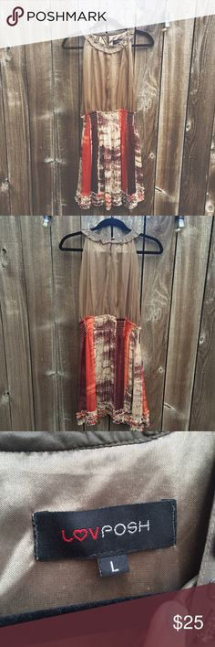 Formal dress Gently worn dress. Perfect for semi formal events. It's flowy and very flattering! Bought from a little boutique Love posh Dresses Mini