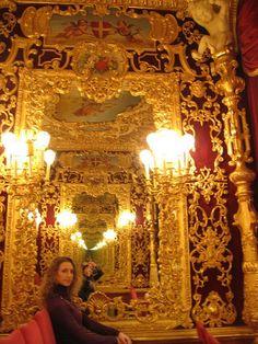 fortuny fabric room design/images | ... in Venice: Teatro LA FENICE, Palazzo FORTUNY & Collezione GUGGENHEIM