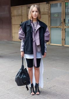 The 25 Best Street Style Blogs | StyleCaster. Eclecticism in it´s best. When incompatibility becomes concordance.