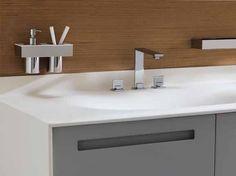 Veja como o revestimento para banheiro pode fazer a diferença na hora de renovar o ambiente, modelos de madeira e porcelanato são os mais usados.