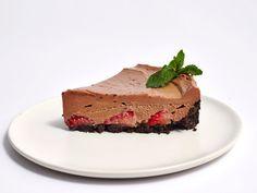 <p>No-Bake Strawberry Nutella Cheesecake</p>
