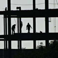 Construcción y Cuadros – Diana Echevarria