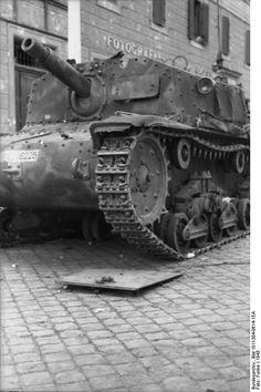 Italian Semovente 75/18 ( self -propelled gun). Italy 1943.