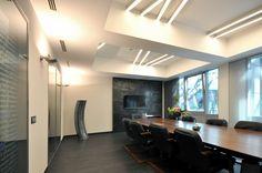 Cool Lighting For Office In Meeting Room Ideas Ideas For Your Cove Lighting, Linear Lighting, Office Lighting, Interior Lighting, Room Interior Design, Modern Interior, Conference Room Design, Bathroom Lighting Design, Studios