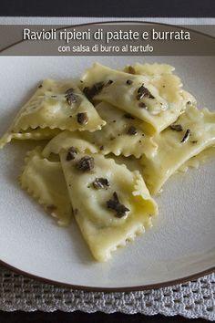 Ravioli patate e burrata Ravioli Recipe, Pasta Maker, Fresh Pasta, Food Illustrations, Relleno, I Love Food, Pasta Recipes, Macaroni And Cheese, Food And Drink