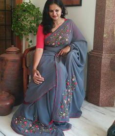 Simple Sarees, Trendy Sarees, Fancy Sarees, Party Wear Sarees, Stylish Sarees, Half Saree Designs, Sari Blouse Designs, Saree Embroidery Design, Beaded Embroidery