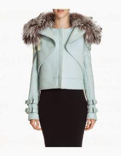 Cum văd eu moda: Minunata haină de toamnă cu guler de blană Fur Jacket, Hooded Jacket, Fur Coat, Wes Gordon, Red Carpet Looks, Crossover, Underwear, Street Style, Style Inspiration