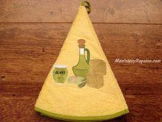 Paño redondo de cocina modelo ACEITERA en color amarillo 100 % Algodón (70 cm. de diámetro). Se utiliza como paño en la cocina o como toalla para las manos en el baño.