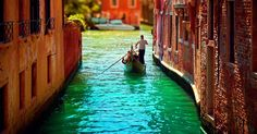 If your boyfriend is an avid traveler you can organize a romantic trip to Paris or Venice. #Valentinesday #Valentinesdaygift #Valentinesdaygiftideas #giftideas #gift #boyfriend #romance #love #romantic #Venice