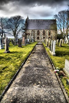Millbrex, Scotland: doesnt this look like the cemetary Harry and Hermoine visit???  its beautiful!