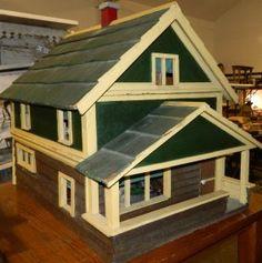 Custom Made 1940s Doll House Original Wallpaper. Nice simple design. .....Rick Maccione-Dollhouse Builder www.dollhousemansions.com