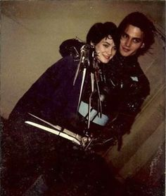 Their off-screen chemistry in Edward Scissorhands. | 21 Reasons Johnny Depp And Winona Ryder Should Get Back Together