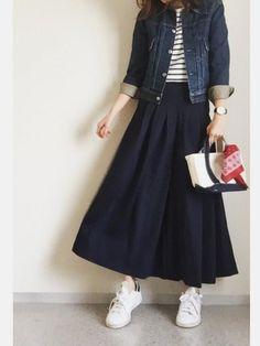30 Looks ideas Street Hijab Fashion, Muslim Fashion, Modest Fashion, Korean Fashion, Fashion Outfits, Womens Fashion, Fashion Trends, Long Skirt Fashion, Japan Fashion