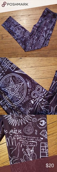 NWOT witch design leggings. Size small. NWOT witch design legging. These are perfect for any witchy gal, halloween, or goth ;) Size small. Not blackmilk clothing, using for exposure :)   Bundles welcomed! Make me an offer! Happy poshing! Blackmilk Pants Leggings