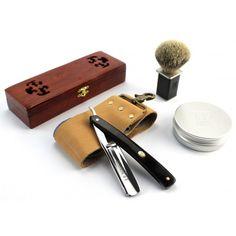Geschenkbox - Rasiermesser aus feinstem japanischen Stahl mit schwarzem Sandelholz Griff - Rasierpinsel und 110g Rasierseife